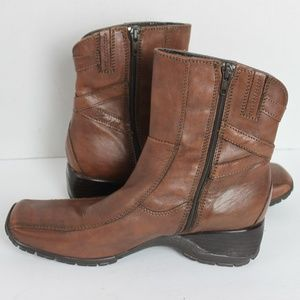 """CLARKS Leather Brown Ankle Booties """"Size 8.5"""""""
